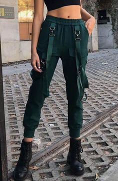 teenage High Waist Cargo Pants with Belts Cargo-Hose mit hoher Taille und Gürteln Girls face интервью amandla stenberg caroline daur big baby tape cara delevingne obladaet ch Latest Fashion Trends, New Fashion, Womens Fashion, Cargo Pants Outfit, Fashion Pants, Fashion Outfits, Fashion Magazin, Mode Blog, Fashion Videos
