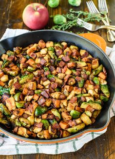 Chicken Apple Sweet Potato Skillet with Bacon and Brussels Sprouts. An easy healthy one-pan dinner! Chicken Apple Sweet Potato Skillet with Bacon and Brussels Sprouts. An easy healthy one-pan dinner! Iron Skillet Recipes, Chicken Skillet Recipes, Skillet Dinners, Skillet Cooking, Sprouting Sweet Potatoes, Harvest Potatoes Recipe, Paleo Recipes, Cooking Recipes, Dinner Recipes