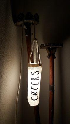 Op zo'n lamp mag je proosten!  Ook deze kan je hangen waar je maar wilt. Omdat je gebruik maakt van led verlichting, hoef je niet bang te zijn voor oververhitting.  Delare@live.nl