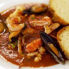 Zuppa di pesce in 20 minuti Fish Recipes, Seafood Recipes, Easter Recipes, Dessert Recipes, Pane Tostato, Air Fryer Recipes, Menu, Soups And Stews, Italian Recipes