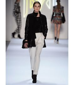 519a6e5a43 Best Work Fashion Looks from Fall 2013 Runways - Work Fashion from the  Runways - Marie