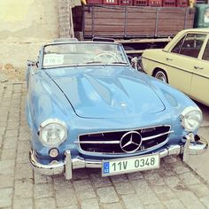 Mercedes-Benz 190SL - Wouldn't mind getting my hands on one of these...