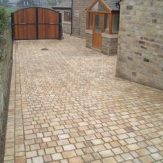 Natural Paving-Antique Sandstone 'Cragstone'-Calico-SETTS 35mm, SINGLE SIZE 100x100