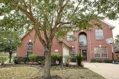 ** NEW LISTING ALERT ** Looking for a wonderful home in the established subdivision of Silvercreek in Pearland Texas? Gorgeous home features 4 bedrooms, 3 full baths, 1 half bath and upstairs gameroom! Large island kitchen, spacious breakfast room & gorgeous den with wall of windows. Downstairs master suite features private bath w/double sinks, whirlpool tub, extended shower & large walk in closet. Call The Christy Buck Team (832)-264-8934 today to schedule your appointment.