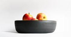 great family bowl ♥ dark outside, sprinkle shiny glaze inside ♥ Aisälädäsigns, Stuttgart, Germany, ♥