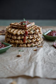 Savoury Quinoa Waffles - a fun twist on a beloved breakfast! Muffin Recipes, Brunch Recipes, Breakfast Recipes, Breakfast Muffins, Breakfast Bake, Quinoa Breakfast, Vegetarian Breakfast, Pancakes And Waffles, How To Cook Quinoa