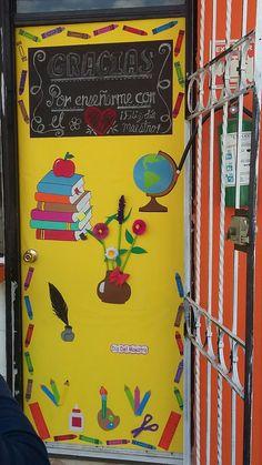 Mayo d a del maestro para el aula pinterest d a de for Puertas decoradas para el 10 de mayo