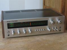 Vintage AKAI Receiver model AA-8080