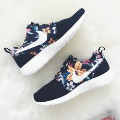 Over Half Off Nike Roshe Run Floral 2015 Black Clothing Shoes & Jewelry - Women - nike women's shoes - 2kkN5IR
