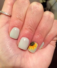 Sunflower nails! #lightseafoamgreen #cute #sunflower