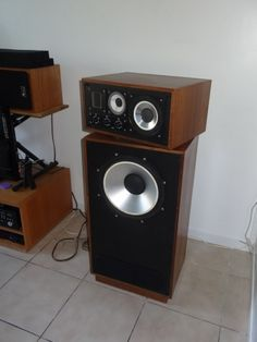 Related image Audiophile Speakers, Monitor Speakers, Audio Equipment, Toys For Boys, Home Appliances, Shelves, Electronics, Headphones, Tech