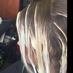 Balayage hair painting.  Balayage technique.  Balayage in Denver.  #Balayage #balayagehair #hair #hairpainting #balayagepainting #balayageDenver #balayagespecialist #highlights #hairsalondenver #hairbynatalia #balayagevideos #denver #denverhair #denverhairsalon #denverbalayage #haircolordenver #haircolorspecialist