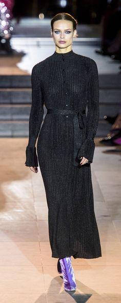 Carolina Herrera Fall-winter 2018-2019 - Ready-to-Wear - http://www.orientpalms.com/Carolina-Herrera-7107 - ©ImaxTree