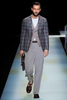 Sfilata Giorgio Armani Milano Moda Uomo Primavera Estate 2016 - Vogue