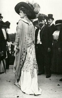 Aux courses en 1909