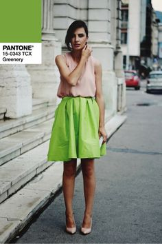Neon Outfits and Street Style Fashion Colours, Green Fashion, I Love Fashion, Fashion 2017, Fashion Outfits, Neon Outfits, Colourful Outfits, Verde Greenery, Pantone 2017 Colour