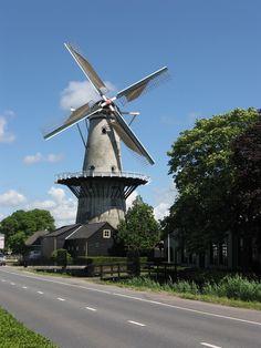 Wateringen, Zuid-Holland. Netherlands Windmills, Holland Windmills, Old Windmills, Netherlands Country, Travel Netherlands, Canal Barge, Travel Oklahoma, City Landscape, Le Moulin