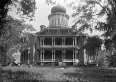 Inside the 150 Year-Old Skeleton of an Unfinished Octagonal Palace - She's a beauty isn't she? Pictured here after she was abandoned in the 1930s by a cotton baron's family that were never able to finish their dream home, Longwood mansion is an extraordinary antebellum plantation house that still stands to this day in Natchez, Mississippi.