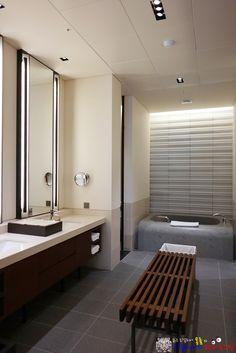 #아난티펜트하우스서울 #THE_ANANTI_PENTHOUSE_SEOUL Rest Room, Project Ideas, Projects, Bath Room, Houses, Diy Crafts, Mirror, Interior, Furniture