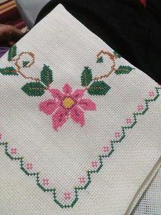 Cross Stitch Charts, Cross Stitch Designs, Cross Stitch Embroidery, Cross Stitch Patterns, Cross Stitch Flowers, Flower Basket, Rustic Christmas, Needlework, Diy And Crafts