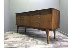 Nice Vintage Walnut Sideboard Retro Cabinet Cupboard Display Record Hifi Unit | Vinterior