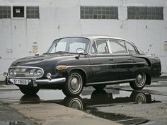 Tatra 603 - 1957 Luxury Car Brands, Best Luxury Cars, Duesenberg Car, Auburn Car, Ferdinand Porsche, Luxury Marketing, Car Manufacturers, Automotive Industry, World War Two