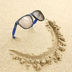 Happiness is a new pair of summer shades Beach Photography Poses, Minimal Photography, Beach Poses, Creative Photography, Couple Photography, Summer Pictures, Beach Pictures, Cool Pictures, Cool Photos