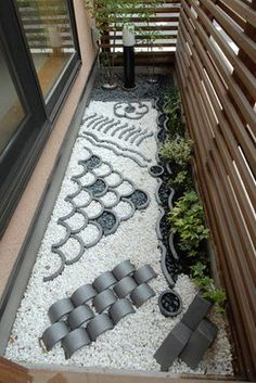 If I can find these rounded accents, I want to add this veranda Japanese garden to my bird area Japanese Garden Design, Japanese Landscape, Japanese House, Chinese Courtyard, Chinese Garden, Indoor Garden, Home And Garden, Balcony Garden, Casa Patio