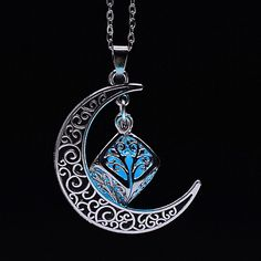 Green Necklace, Moon Necklace, Pendant Necklace, Celtic Necklace, Gypsy Jewelry, Moon Jewelry, Ethnic Jewelry, Silver Jewelry, Crescent Necklace
