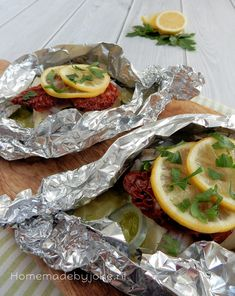 Cod fish package for the barbecue / Kabeljauw vispakketje voor op de barbecue Barbecue, Green Eggs, Seafood Recipes, Foodies, Food And Drink, Low Carb, Tasty, Cheese, Ethnic Recipes