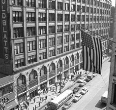Goldblatts on State street Chicago Photos, State Street, My Kind Of Town, Old Street, White City, Extinct, Pedestrian, Department Store, Aerial View