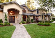 Feng shui incorporates arrangement and design principles to bring harmony, balance and calm to a home. Here are several tips of Feng Shui for front yard. Feng Shui, Bucket List Before I Die, Lawn Care Tips, Green Lawn, Green Grass, Patio, Front Yard Landscaping, Landscaping Ideas, Landscaping Company
