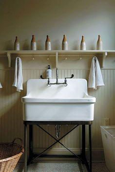 Modern farmhouse laundry room ideas (27)