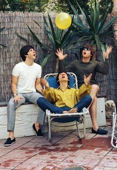 1964 - Paul McCartney, George Harrison and John Lennon.