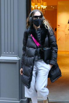 Kristin Davis, Sarah Jessica Parker, Gerard Darel, And Just Like That, White Leggings, Carrie Bradshaw, New Fashion, British, Winter Jackets