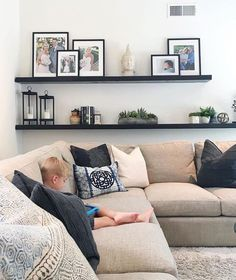 Living Room Shelves, Home Living Room, Living Room Designs, Living Room Decor, Living Room Wall Decor Ideas Above Couch, Shelves Above Couch, Picture Wall Living Room, Living Room Pictures, Living Room Inspiration