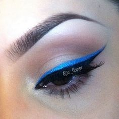 Beautiful eyeliner color idea :)