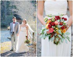Brautkleider Abendkleider lang weiß aus Chiffon mit Herz Ausschnitt rot und gelb Brautstrauß dekoriert