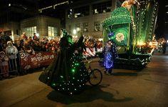 Holidazzle for '12 resumes full schedule; Keillor, Rybak among Grand Marshals | StarTribune.com @Gemma Tribune