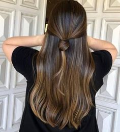 37 trendy hair color balayage straight subtle highlights – Rebel Without Applause Natural Brown Hair, Natural Hair Styles, Long Hair Styles, Bun Styles, Hair Color Highlights, Hair Color Balayage, Subtle Highlights, Brunette Highlights, Brown Balayage