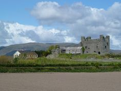 Green castle, lies next to the village of Greencastle in County Down, in Northern Ireland.  Green Castle was built during the 1230's by the Anglo Norman knight Hugh de Lacy.  We have to go back in summer to have a closer look.