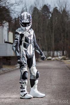 Motocross Outfits, Motocross Gear, Biker Leather, Leather Men, Mx Boots, Motard Sexy, Motorbike Leathers, Motorcycle Suit, Biker Boys