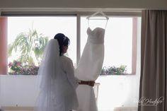Boda Mónica y Leonid - Nuestros Clientes Bodas Huatulco Playa Beach, Beach Wedding Hair, Wedding Hairstyles, Wedding Dresses, Hair Styles, Blog, Bridal Veils, Wedding Hair Styles, Bridal Gowns