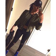Bomber Jacket x Black Slit Knee Skinnies Tomboy Fashion, Fashion Killa, Girl Fashion, Fashion Outfits, Fashion Addict, Fashion Ideas, Dope Outfits, Classy Outfits, Winter Outfits