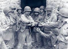 Reparto del correo, Normandía, 1944.