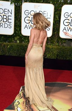 Rosie Huntington-Whiteley Photos - Actress Rosie Huntington-Whiteley attends the Annual Golden Globe Awards held at the Beverly Hilton Hotel on January 2016 in Beverly Hills, California. Rosie Huntington Whiteley, Gold Dress, Dress Up, Looks Party, Jason Statham, Vanity Fair Oscar Party, Old Models, Party Wear, Strapless Dress Formal