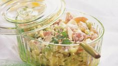 Light All-Time Favorite Potato Salad. Serve an all-time favorite using nonfat ingredients. Salad Recipes Video, Soup Recipes, Cooking Recipes, Cooking Tips, Recipies, Summer Recipes, Healthy Dinner Recipes, Delicious Recipes, Healthy Foods