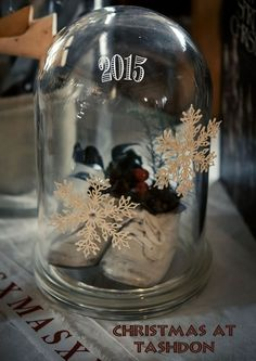 Christmas issues on Issuu.com - With Wings & Mind Christmas 2015, Snow Globes, Wings, Mindfulness, Decor, Decoration, Feathers, Decorating, Feather