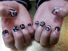 Lee Hong Ki's Nail  http://1.bp.blogspot.com/-17jUFTRraY8/UNbN1Glts3I/AAAAAAAAAL8/V5CERZEdtOE/s1600/HongKiHeechulNails2.jpg