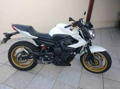 Yamaha XJ6N White and Gold  YouTube - Renato Garcia